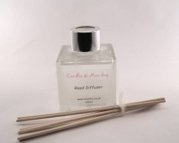 reed diffuser : glass cube